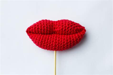 crochet pattern en español crochet lips and kisses free crochet pattern