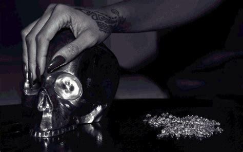 rihanna unfaithful testo quot diamonds quot la cover singolo che anticipa il 7 176 album