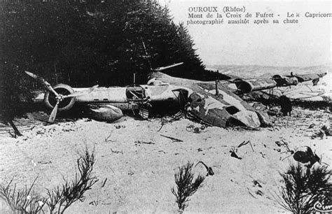 qantas flying boat photos crash of a short s 23 empire flying boat in ouroux 5