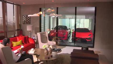 Bentley Garage Hamilton by Parking A Lamborghini At A Sky Garage In Singapore