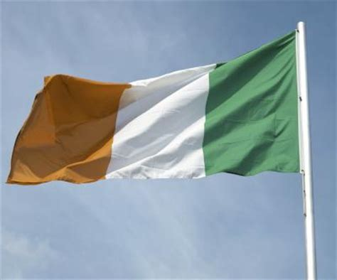 what do the colors mean on the irish flag what is the meaning of the irish flag colors our