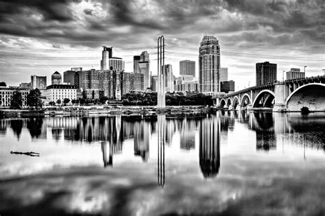 dramatic minneapolis minneapolis mn minneapolis skyline