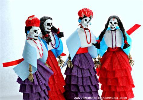 decorar una calavera de papel una mexicana en usa calaveras decoradas con papel crep 233