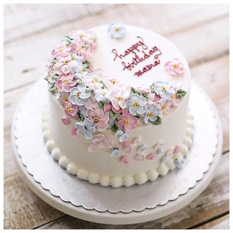 25 best ideas about simple birthday cakes on pinterest simple cakes pink cakes and birthday