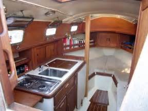 Small Boat Interior Design Beach Pool Cabin And Cabin Interiors On Pinterest