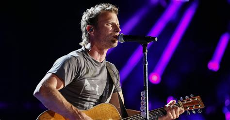 dierks bentley fan dierks bentley fans are going to want to get their