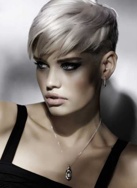 trendy hairstyle looks like a herringbone but with rubberbands short hairstyles short cut hairstyle for natural hair