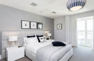 room light grey walls