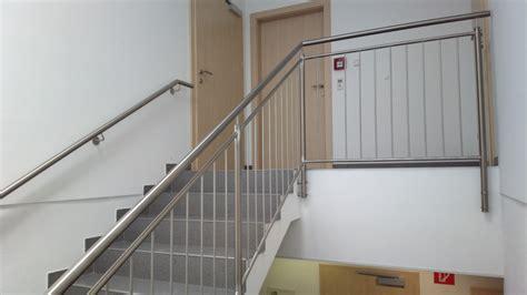 treppen handlauf vorschriften gel 228 nder f 252 r innen aus glas edelstahl oder stahl