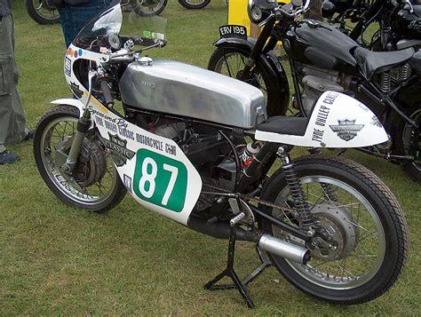 Classic Suzuki Classic Suzuki Racing Bike Photo Michael Ramsay Photos