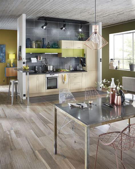 carrelage cuisine imitation parquet cuisine mur bleu turquoise