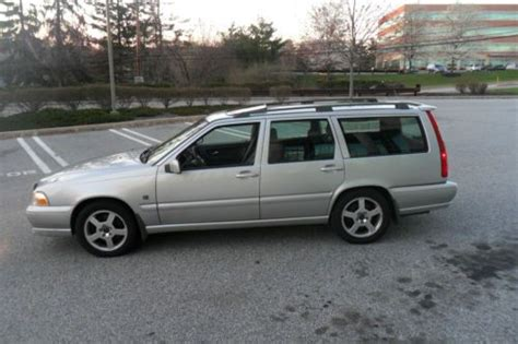 used volvo v70r sell used 2000 volvo v70r awd wagon silver in plymouth