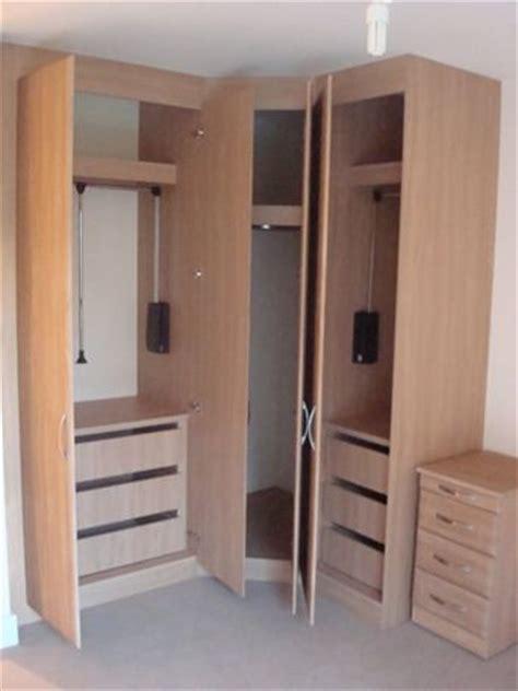 Built In Corner Wardrobes by The 25 Best Corner Wardrobe Ideas On Corner