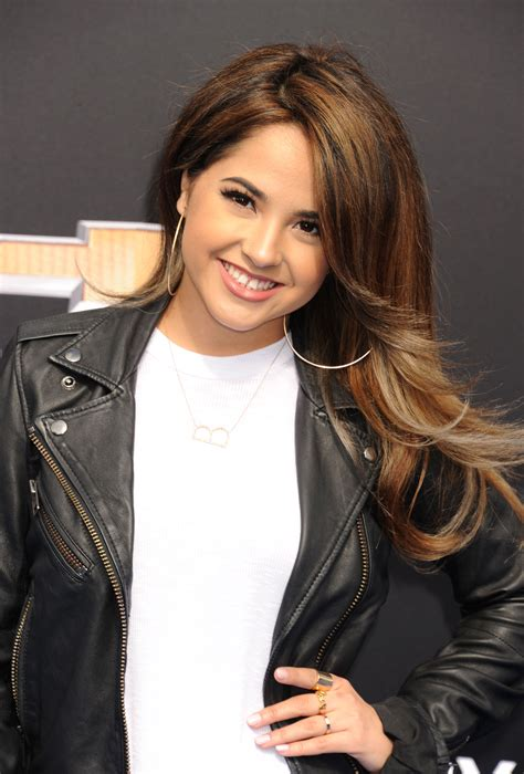 becky g hair singer shows off a short bob hairstyle twist