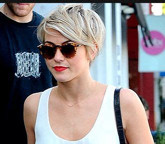 how to style julianne houghs short haircut julianne hough short hair cut hairs beauty pinterest