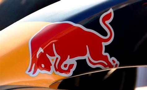 Auto Logo Roter Stier by Coulthard Red Bull Racing Burn Up Austin City