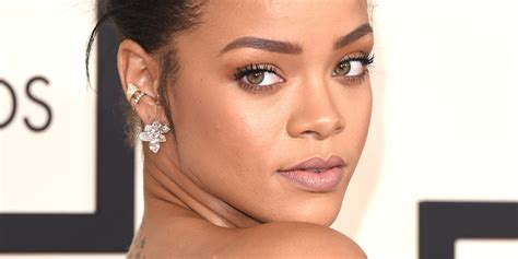 Rihanna Is My New Icon by Rihanna S Grammy Dress 2015 Is A Ginormous Pink Pouf By