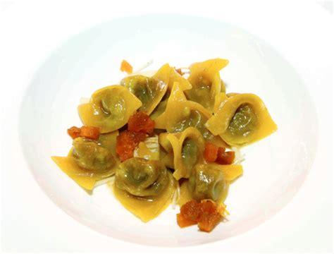 cucinare il musetto ravioli di musetto con mostarda di verdure italiasquisita
