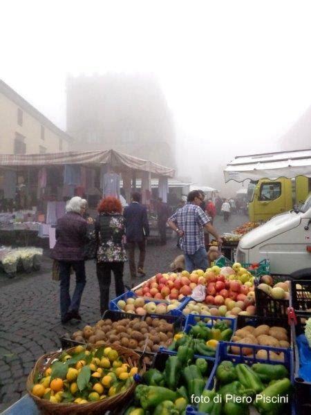 di commercio orvieto 2 orvieto mercato a piazza popolo orvietos 236 it