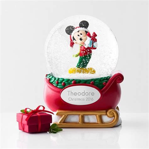 snow globe with fan 25 best ideas about personalized snow globes on pinterest