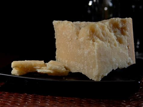 parmigiano reggiano cheese parmesan cheese simple english wikipedia the free