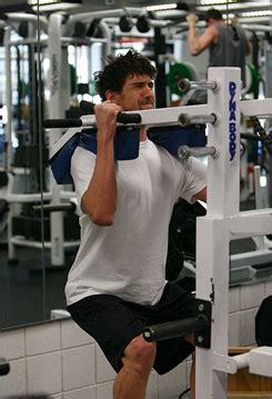 michael phelps bench press michael phelps swimming and gym workout sets and diet plan