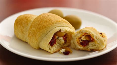 crescent roll christmas crescents recipe from pillsbury