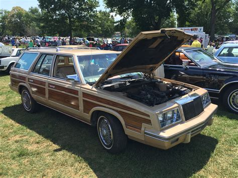 Chrysler Town And Country Wagon by File 1983 Chrysler Town Country Station Wagon At 2015