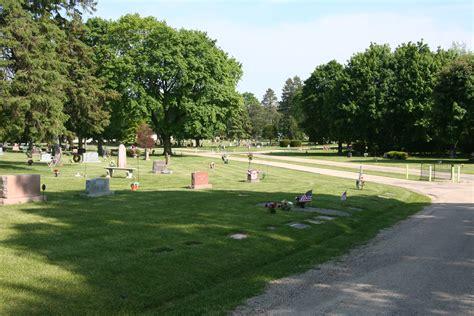 file arlington memorial park cemetery rockford il 004 jpg