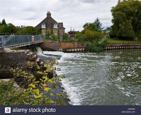 thames river isis rushey weir at rushey lock on the river thames isis