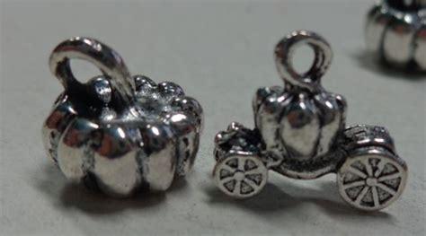 cenerentola carrozza zucca 6 ciondoli zucca e carrozza cenerentola in argento