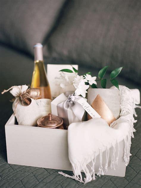 Wedding Flower Gifts by Wedding Gift Basket Wedding Ideas 100 Layer Cake