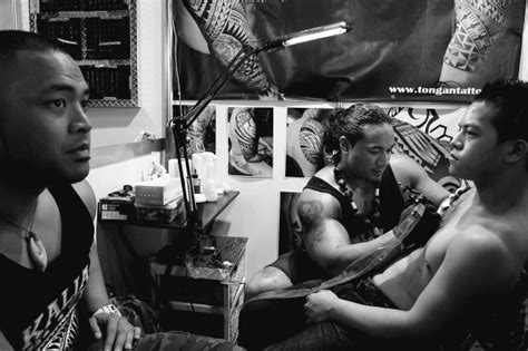 tattoo expo moore park photos top tattoo artists show off their skill
