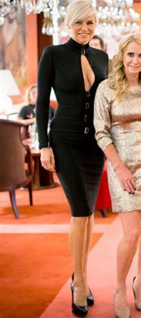 what size dress does yolanda foster wear yolanda and david foster in gold and black