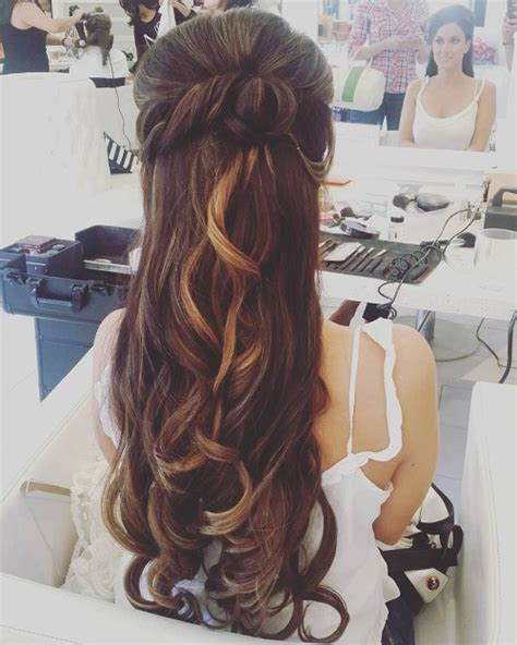 Half Do Hairstyles by 8 Chic Half Up Do Hairstyles Fashion S