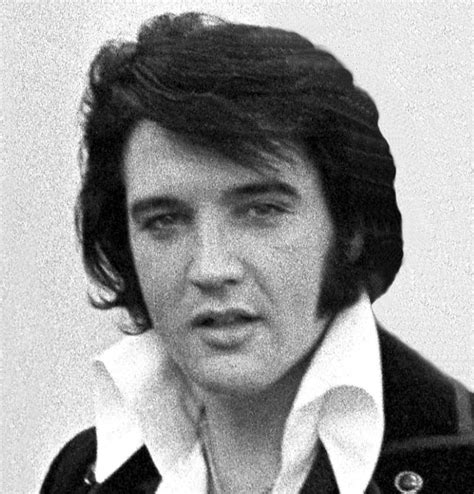 elvis hairstyles 1950s 1960s 1970s elvis presley news file elvis presley 1970 cropped jpg wikimedia commons