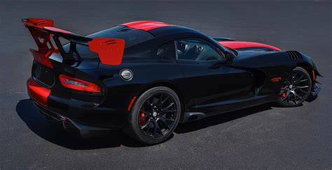 dodge viper 2017 2017 dodge viper shares the same price from 92 990 as