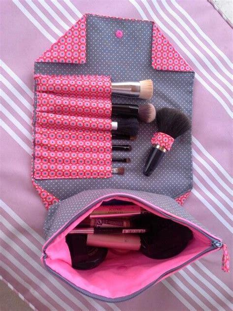 Kuas Sephora wadah make up unyu cocok untuk dibawa kemana mana vemale