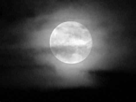imagenes en blanco y negro de la luna 301 moved permanently