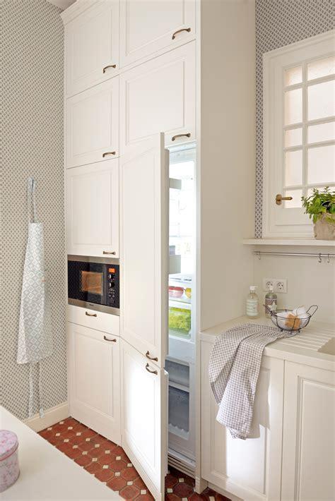 mueble nevera ikea 10 ideas geniales para cocinas peque 241 as