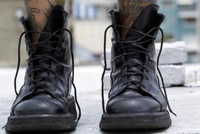 how to clean stains on light colored leather boots ehow uk