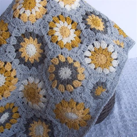 25 Unique Hexagon Crochet Ideas On Hexagon 25 unique crochet hexagon blanket ideas on