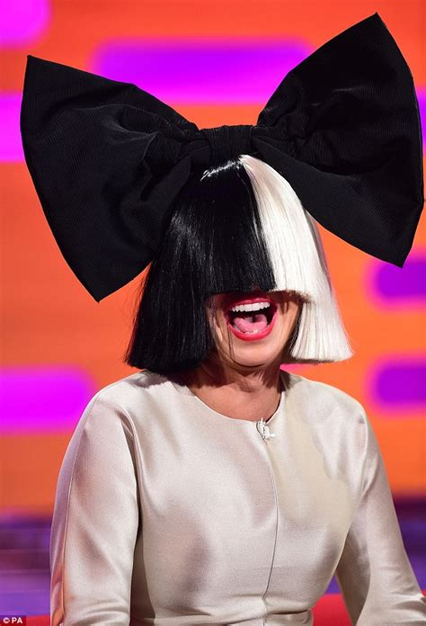 Sia Rihanna Chandelier Sia Almost Wore Mask For Graham Norton Show Daily Mail