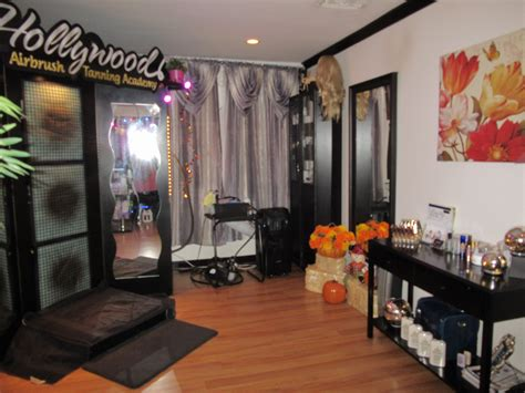 sun room tanning hours studio city s airbrush tanning salon announces spooktacular working hours to accommodate clients