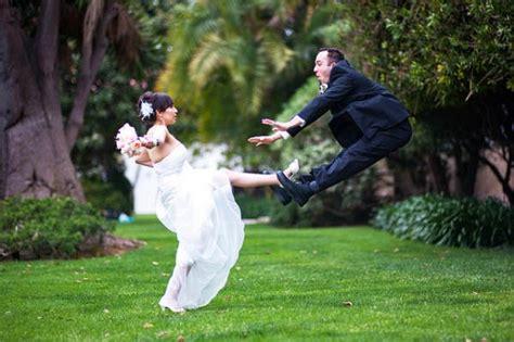 imagenes de novias locas 25 divertidas ideas para la sesi 243 n de fotos de tu boda