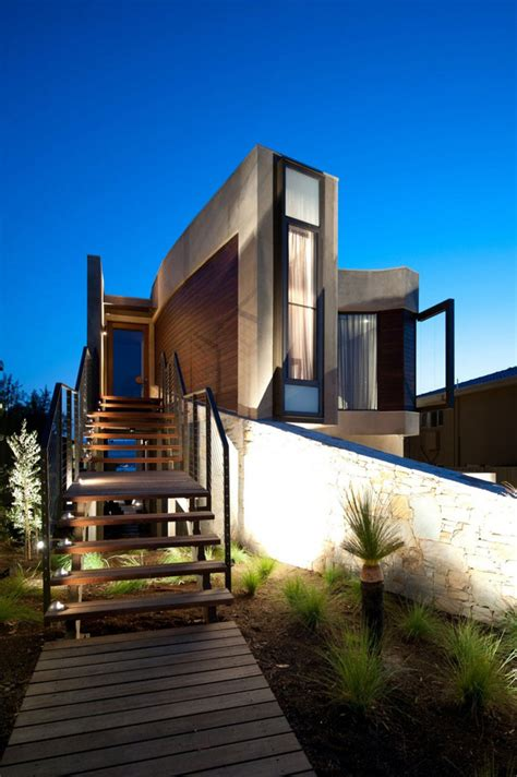 modern mansion beach house architecture strangely shaped beach property on a narrow lot