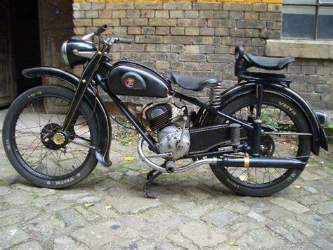 Triumph 8 Zylinder Motorrad by Powerdynamo F 252 R Adler M100