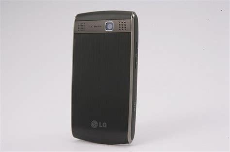 discord iphone speaker lg gw550 wm6 1 qwerty smartphone with triband umts slashgear