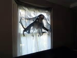 halloween window decorations the 33 best halloween window decorations for 2016