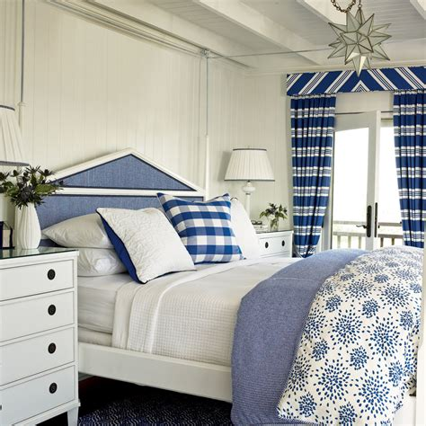 Coastal Living Bedrooms | blue and white coastal bedroom soothing beachy bedrooms